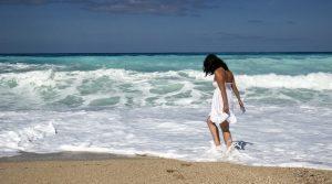 blog_girl_on_beach